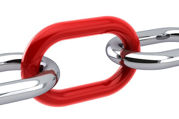 chain with red connecting ring